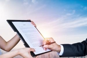 公司签订的合同只盖章不签名可以吗